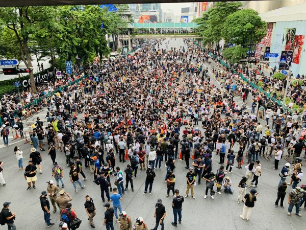Anti-government demonstrators converge on Ratchaprasong intersection